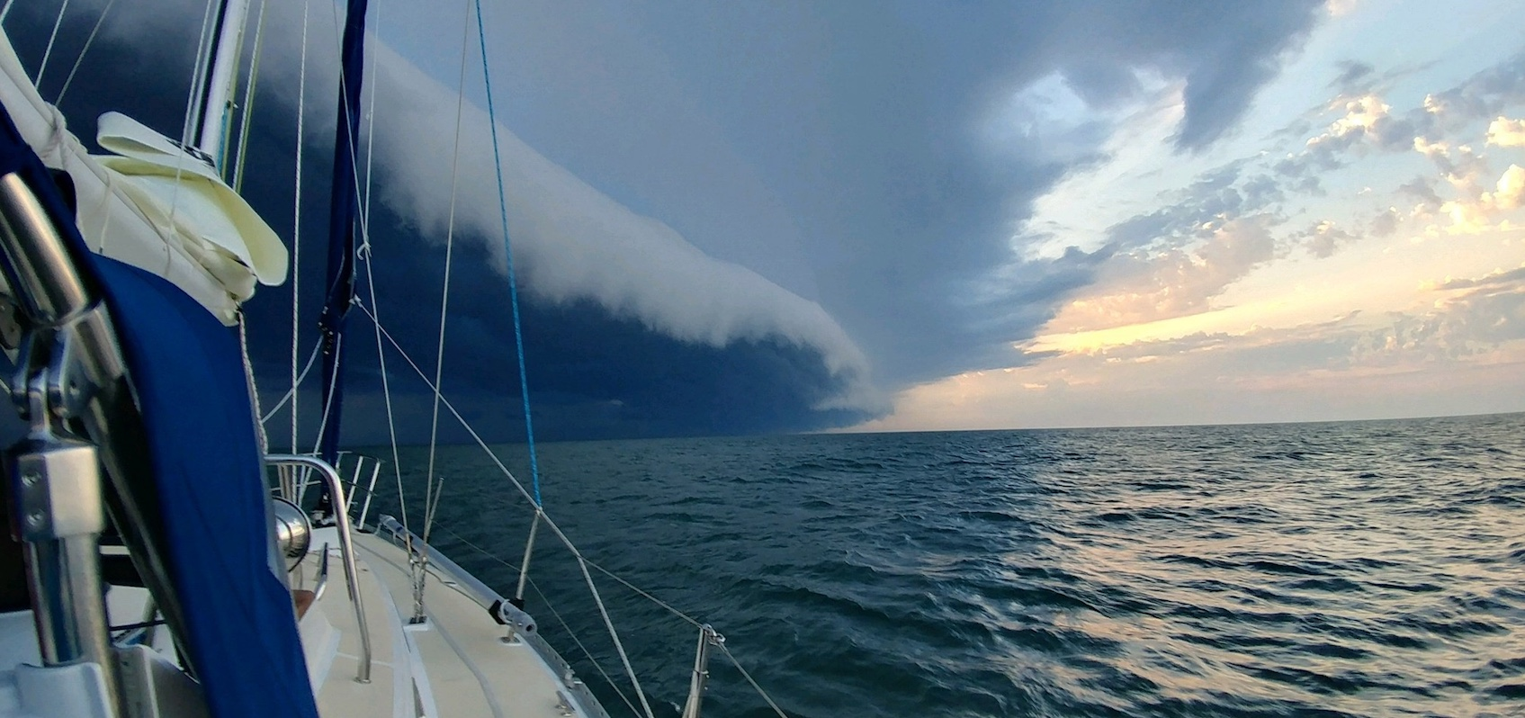 Shelf_CLoud_Sails_Down_2